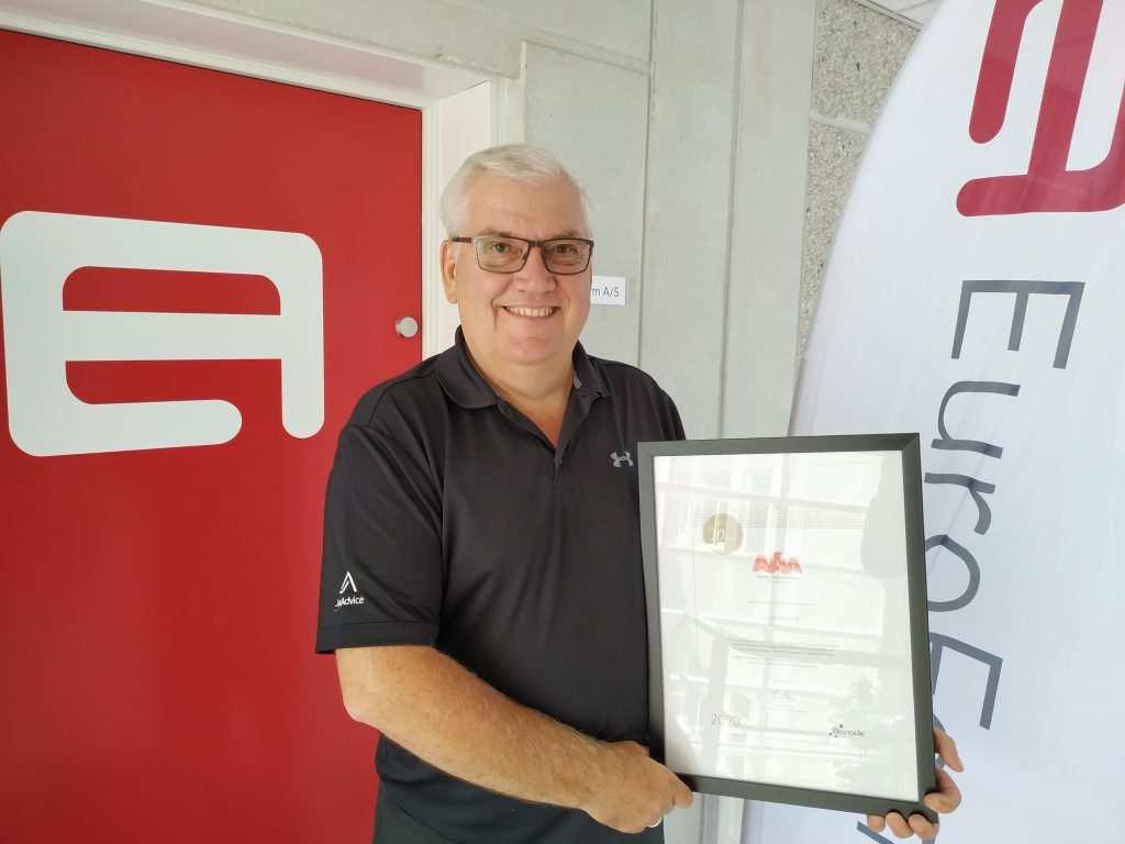 Founder and CEO of EuroForm A/S, Kim Niebling, with the AAA Gold-diploma.